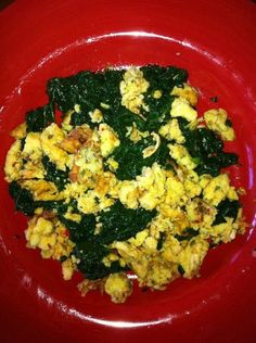 This is an ideal protein omelette pack served with my fav veggie, spinach.  Ideal Protein and Atkins friendly