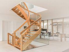 Wir sind ihr Treppenbauer Stuttgart, möbel und Treppen nach Maß. Modern, stets nach Ihrem Wunsch und in hoher handwerklicher Qualität.