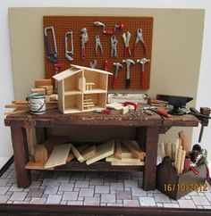 Brazilian Miniatures. Work bench & tools. Dollhouse in your dollhouse