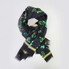 This scarf is made from a soft touch modal and silk fabric that is light and breathable against your skin. The scarf is beautifully presented in a matching print, high-quality gift box embossed with inspirational words making it an ideal personal or corporate gift.