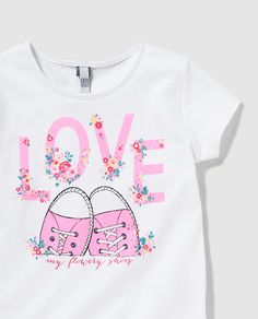 Fashion Design For Kids Projects Girls 54 Ideas Fashion Design For Kids, Kids Fashion, Woman Fashion, Night Suit For Girl, Tee Shirt Crafts, Fabric Paint Shirt, Baby Dress Design, Kids Suits, Shirt Print Design