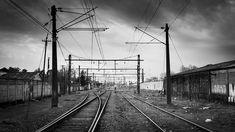 #chile #linares #tren #estacion #maule #ferrocarril #riel #rieles #lineas #blancoynegro #comparte #flickr #creativecommons #streetphotography Chile, Utility Pole, Public, Blog, Train, Parking Lot, Black And White, Pictures, Blogging