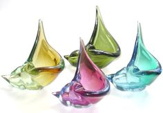 Murano 50's Seashells! - svazzo.com - This is a gorgeous set of vintage Italian art glass shells. They come in a large variety of colors, both solid and transparent. Great way for Interior Designers to bring the beach to any home!