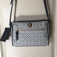 Tommy Hilfiger cross body purse great for the spring and summer