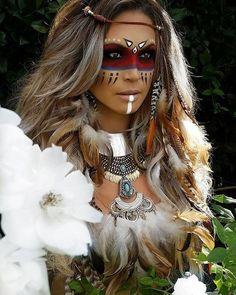 Halloween - Make-up Schminke und Co. Make India, Tribal Makeup, Fantasy Make Up, Hallowen Costume, Halloween Outfits, Indian Makeup, Native American Women, Festival Makeup, Maquillage Halloween