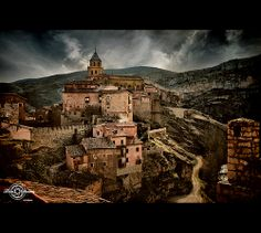 Albarracín. (Spain)  Albarracin is a town and community of Aragon, Spain Township southwest of the province of Teruel. It has 1,110 inhabitants (INE 2008).  Locality is a National Monument in 1961 and given by UNESCO to be a World Heritage Site by the beauty and importance of their heritage is.