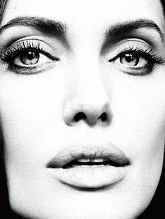 Angelina Jolie by Alexei Hay for the Marie Claire magazine in January Angelina Jolie, Vivienne Marcheline Jolie Pitt, Most Beautiful Women, Beautiful People, Beautiful Celebrities, Beautiful Eyes, Marie Claire Magazine, Monochrom, Jolie Photo