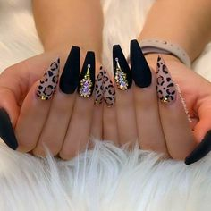 Cute acrylic nails also known as artificial nails or faux nails are great timesavers. They cover broken nails. If you have weak nails, artificial nails will help you. They are a great canvas for… Matte Acrylic Nails, Summer Acrylic Nails, Acrylic Nail Designs, Acrylic Art, Teen Nail Designs, Cheetah Nail Designs, Cute Nail Art Designs, Stiletto Nail Art, Black Nail Designs