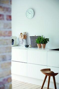 JKE Design køkken model Rimini med marmorbordplade.