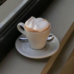 Coffee Cafe, Iced Coffee, Coffee Drinks, Coffee Milk, Milk Tea, Tea Cafe, Aesthetic Coffee, Aesthetic Food, Coffee Pictures