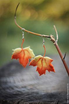 "Earrings ""autumn Gifts"" in the technique of dry felting. Felt Diy, Felt Crafts, Learning To Embroider, Textile Fiber Art, Fibre Art, Fibre And Fabric, Needle Felting Tutorials, Felt Decorations, Bijoux Diy"