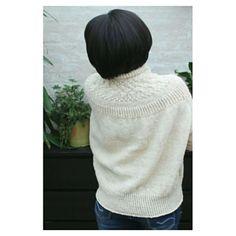 Ravelry: Bright Sweater pattern by Junko Okamoto Knitting Charts, Knitting Patterns, Zhurnal Mod, Brooklyn Tweed, Made Video, Rubrics, Ravelry, Turtle Neck, Stitch