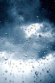 Descargar Cristal con gotas de lluvia naturaleza azul iphone retina