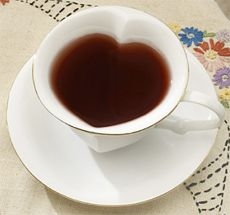 Google Image Result for http://www.outblush.com/women/images/2008/01/heart-shaped-tea-cup-set.jpg