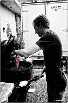 Osso bucco is een heerlijk gerecht om te serveren als je veel eters hebt. Goed voor te bereiden, niet duur en het is heerlijk vlees.