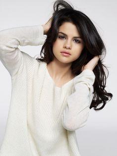 Selena Gomez's photoshoot for Cosmopolitan Magazine in 2010