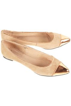 pointed flats yesss