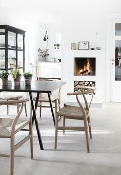 Scandinavian design is one of the most beautiful and elegant ways to decorate your home, and we absolutely love it. This is domino's ultimate guide to decorating your home with a Scandinavian design inspired interior. Scandinavian Interior Design, Scandinavian Living, Scandinavian Furniture, Decor Interior Design, Interior Decorating, Scandinavian Fireplace, Nordic Design, Eclectic Design, Interior Colors