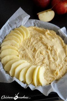 Mi gteau mi tarte fondant aux pommes gala mini lemon chess pies tiny little bites of heaven these little lemon pies are easy to make and will have your family raving about your baking skills! Apple Recipes, Sweet Recipes, Cake Recipes, Snack Recipes, Cooking Recipes, Thermomix Desserts, Summer Dessert Recipes, Food Cakes, Food And Drink