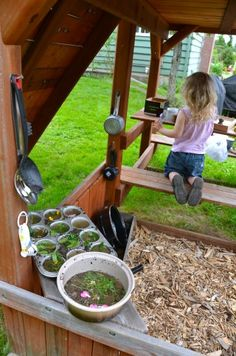Easy, fun outdoor creative play:  Mudpie Kitchen!