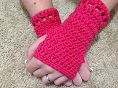 Ravelry: Eva Fingerless Gloves pattern by Amber Slaton