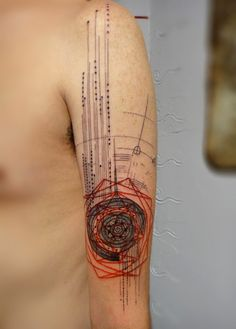 GEOMETRIC TATTOOS : Photo