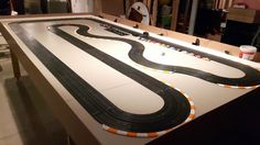 Pin by willy musgrave on ho slot car tracks Slot Car Race Track, Ho Slot Cars, Slot Car Racing, Slot Car Tracks, Scalextric Track, Las Vegas, Ship In Bottle, Cars 1, Train Layouts
