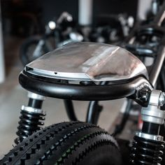 "Caferacer Seat Cowl ""Alcedo"" – Honda – Hookie Co. Shared by Motorcycle Fairings - Motocc Cafe Racers, Cb400 Cafe Racer, Yamaha Cafe Racer, Cafe Racer Heck, Cafe Racer Parts, Bobber Motorcycle, Motorcycle Design, Bike Design, Cb 450"