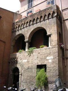 Vicolo dell'atleta, Trastevere, Rome