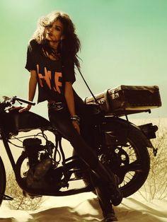 Девушки и мотоциклы / Лаура Понте (Laura Ponte)