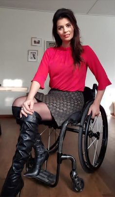 Leather Boots, Leather Skirt, Manual Wheelchair, Spinal Cord Injury, Equestrian Boots, Wheelchairs, Sexy Women, Legs, Skirts