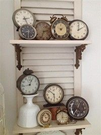 Dishfunctional Designs: Collecting & Displaying Collections Of Clocks Love the shutter shelves! It would be so sweet to have a collection of old clocks, love it! Old Clocks, Antique Clocks, Vintage Clocks, Alarm Clocks, Vintage Display, Vintage Typewriters, Shutter Shelf, Tick Tock Clock, Shabby Chic Stil