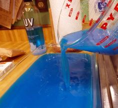 How to Make Jello Shot Cubes - Snapguide Fancy Drinks, Cocktail Drinks, Yummy Drinks, Alcoholic Drinks, Beverages, Cocktails, Blue Jello Shots, Making Jello Shots, Skittle Vodka