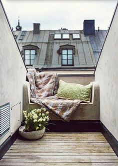 Gorgeous little refuge on roof terrace