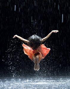 Anna meille paukapäille luovaa mieltä Reminds me to dance in the rain