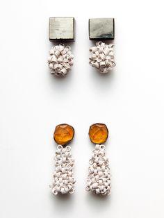 Sayumi Yokouchi, comportamiento, earrings colored wire, sterling silver, pyrite, thread colored wire, sterling silver, spessartite garnet, t...