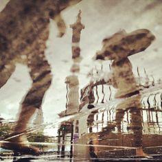 Trafalgar Square reflected in the #London rain 17°C I 63°F #BurberryWeather