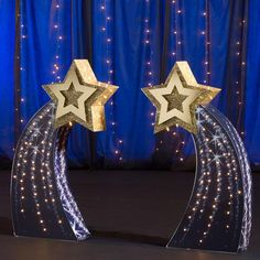 Easily decorate for a night under the stars using our Shooting Star Standees Set. These purplish blue, freestanding cardboard props have detailed shooting star images with an star cutout at the top. Star Centerpieces, Star Decorations, Wedding Decorations, Homecoming Decorations, Party Kulissen, Star Party, Party Props, Night To Shine, Dance Themes