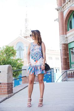 Loversandfriends_Dress-080_Barcelona-White_Sandals-MII_Seat-Streetstyle-Outfit-14