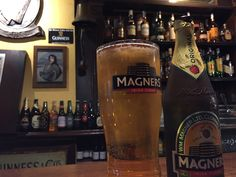 Michael Collins. Un pub irlandais totalement typique, on aime! Espagne Barcelone