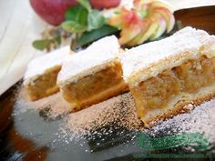 Merry-cooks recipes, illustrated recipes: Cake with Apples - Almas Teszt No Cook Desserts, Sweets Recipes, Cake Recipes, Cooking Recipes, Turkish Recipes, Indian Food Recipes, Ethnic Recipes, Romania Food, Romanian Desserts