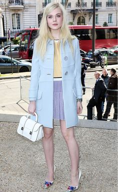 Elle Fanning Photos - Elle Fanning attends the Miu Miu show as part of the Paris Fashion Week Womenswear Fall/Winter on March 2014 in Paris, France. - Arrivals at the Miu Miu Show Big Fashion, Fashion Week, Star Fashion, Look Fashion, Fashion Trends, Paris Fashion, Fashion Online, Elle Fanning, Mode Pastel