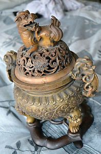 ANTIQUE-MARK-CHINESE-DRAGON-AND-FOO-DOG-INCENSE-BURNER-BRONZE-CENSER-STATUE Chinese Dragon, Chinese Art, Vases, Japanese Incense, Asian Design, Foo Dog, Japanese Pottery, Incense Burner, Beautiful Architecture