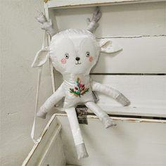 white deer doll / Břichopas toys
