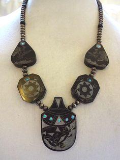 Hand Carved NATIVE AMERICAN Black Buffalo Horn SCRIMSHAW NECKLACE Navajo Pearls #AUTHENTICVINTAGENATIVEAMERICANJEWELRY