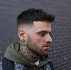 This year's hair trends are all about texture so wavy hair is on point. Check out these pictures of men's wavy hairstyles for classic looks and some of the latest styles.    Wavy hair can be cut