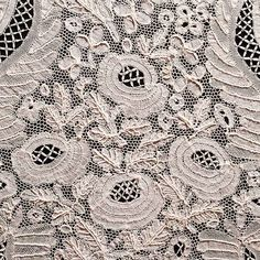 Detail of Honiton lace lappet, Cardiff, century ::: Gathering the Jewels Thanks for the closeup! Some day I'll be able to replicate this. Lace Ruffle, Lace Fabric, Ruffles, Antique Lace, Vintage Lace, Irish Crochet, Crochet Lace, Lace Weave, Lacemaking