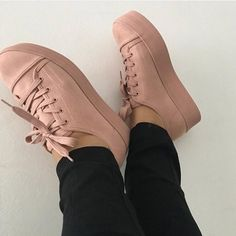 Simple Shoes Casual Shoes Boy Shoes Cute Shoes Me Too Shoes Shoes Sandals Sneakers Street Style Star Shoes Wedge Boots Simple Shoes, Casual Shoes, Pretty Shoes, Cute Shoes, Sneakers Fashion, Fashion Shoes, Star Shoes, Kinds Of Shoes, Sporty Outfits