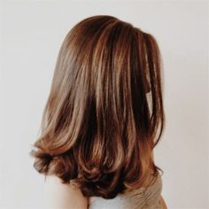 New Hair Goals Medium Hairdos Ideas Medium Hair Cuts, Medium Hair Styles, Curly Hair Styles, Haircut Medium, Medium Curly, Haircut Bob, Waves Haircut, Haircut For Medium Length Hair, Volume Haircut