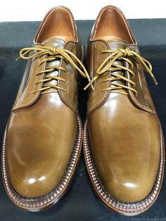 満3歳ハインリッヒ・ディンケラッカー - 靴バカ.com Shoes Men, Men's Shoes, Dress Shoes, Cordovan Shoes, Mens Attire, Men Formal, Get Dressed, Leather Boots, Derby